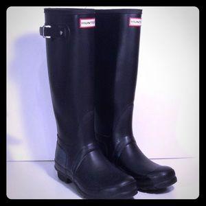 Hunter Size 7 Tall Black w/ Buckle Rain Boots